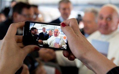 """Día Mundial de las Comunicaciones Sociales: El Papa invita a """"compartir historias constructivas"""""""