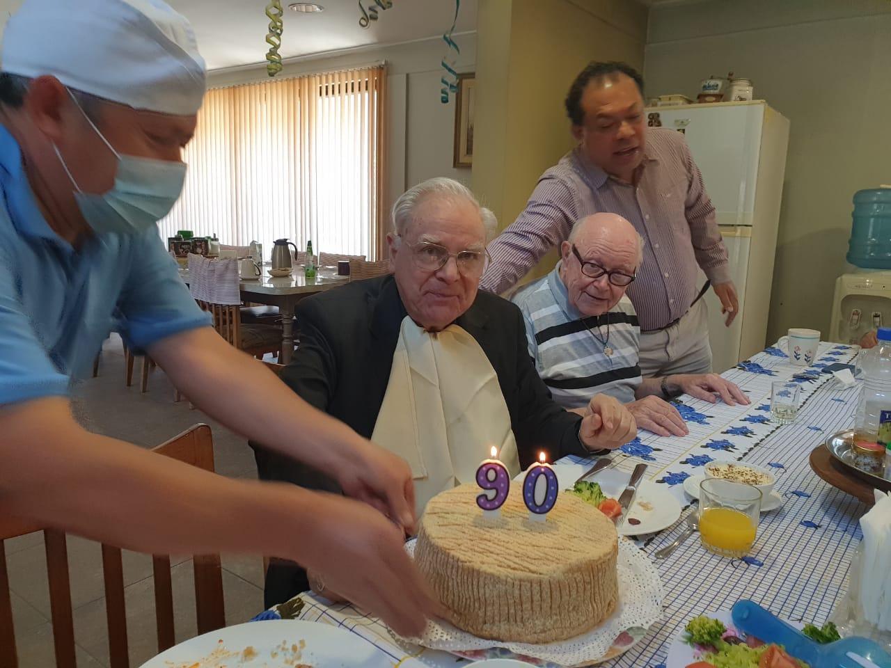 Monseñor Rafael de la Barra SVD cumplió 90 años de vida
