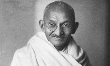 La no violencia de Gandhi, un mensaje que no pasa de moda