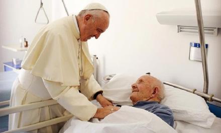 Jornada Mundial del Enfermo, Papa: «Dar al que sufre el bálsamo de la cercanía»