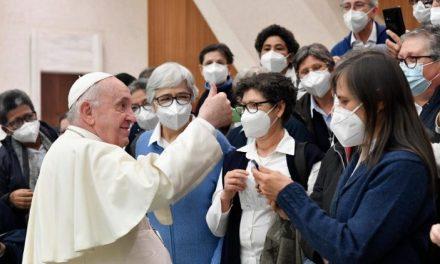 Catequesis del Papa: arraigados en nuestras raíces y abiertos al universalismo de la fe